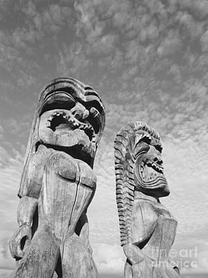 Kahuna Photograph - Puuhonua O Honaunau by Greg Vaughn - Printscapes