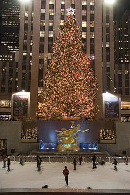 Rockefeller Center And The Famous Art Print