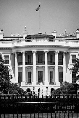 Whitehouse Wall Art - Photograph - southern facade of the white house Washington DC USA by Joe Fox