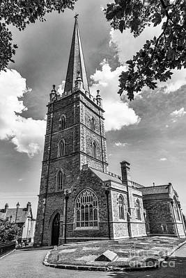 Photograph - St. Columbs Cathedral, Derry by Jim Orr