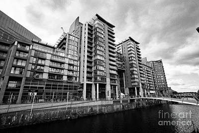The River Irwell Between Spinningfields And Salford Manchester England Uk Art Print by Joe Fox