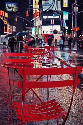 Empty Chairs Photograph - Times Square by Benjamin Matthijs