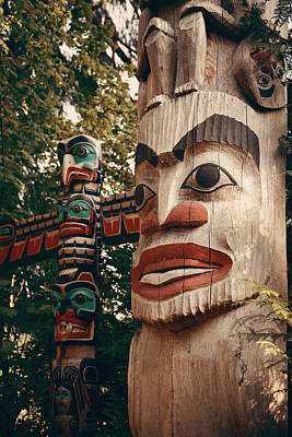 Photograph - Totem Pole by Songquan Deng
