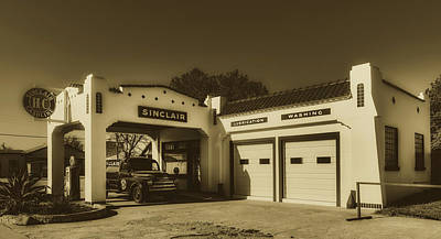 Photograph - Vintage Sinclair Gas Station by Library Of Congress