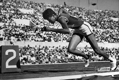 Footrace Photograph - Wilma Rudolph (1940-1994) by Granger