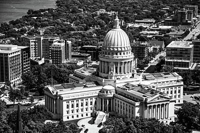 Photograph - Wisconsin State Capitol - Madison by L O C