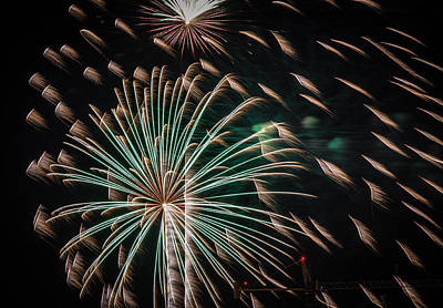 Photograph - Fireworks 2015 Sarasota 18 by Richard Goldman