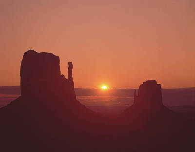 Photograph - 213101 Sunrise Monument Valley Az Ut by Ed Cooper Photography