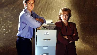 The X Files Digital Art - 29713 The X Files Fox Mulder And Dana Scully by Anne Pool