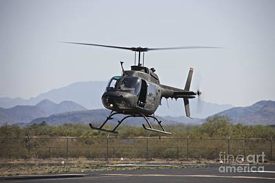 An Oh-58 Kiowa Helicopter Of The U.s Art Print by Terry Moore