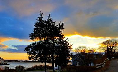 Sun Without Rays Photograph - Annisquam Winter Sunset by Harriet Harding