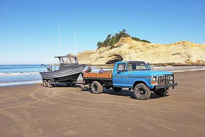 Oregon Photograph - Cape Kiwanda, Oregon by Buddy Mays