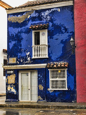 Local Photograph - Colonial Buildings In Old Cartagena Colombia by David Smith