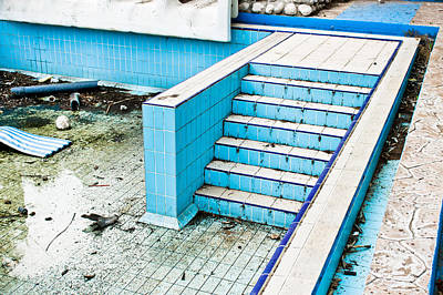 Derelict Swimming Pool Art Print