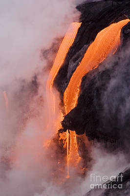 Photograph - Flowing Pahoehoe Lava by Ron Dahlquist - Printscapes