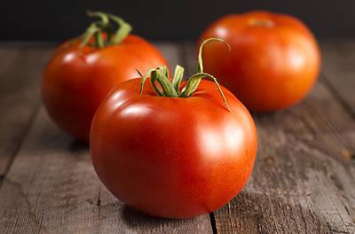 Tomatoe Wall Art - Photograph - Fresh Tomatoes by Donald  Erickson