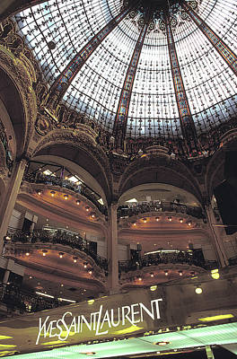 Photograph - Galleries Lafayette In Paris by Carl Purcell