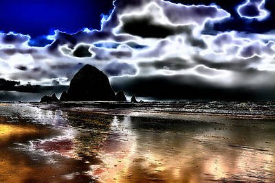 Haystack Rock On Cannon Beach Print by David Patterson