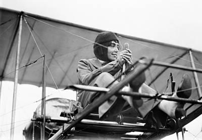 Helene Photograph - H�l�ne Dutrieu (1877-1961) by Granger