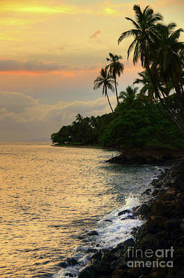Photograph - Lahaina Sunset by Kelly Wade