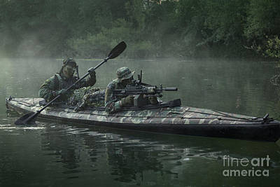 Navy Seals Navigate The Waters Art Print
