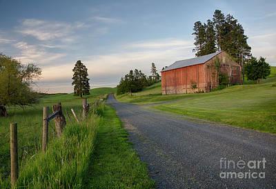 Photograph - Palouse Barn by Idaho Scenic Images Linda Lantzy