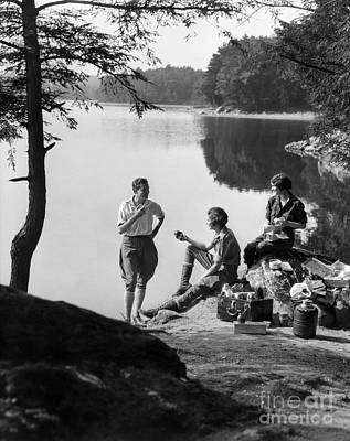 3 People Picnicking, C.1920-30s Art Print