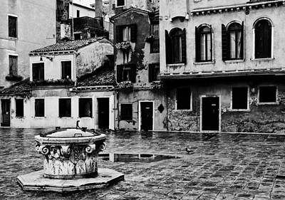 Photograph - Piazza On The Strada by Mick Burkey