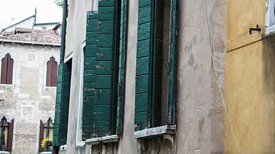 Photograph - 3 Shutters Venice Italy  by John McGraw