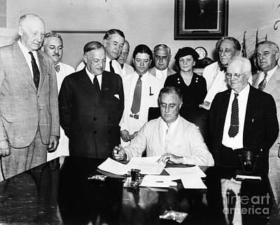 Social Security Act, 1935 Art Print