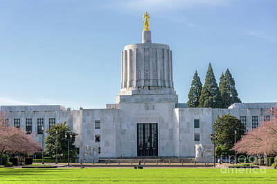 State Capitol Building Salem Oregon. Original by Gino Rigucci