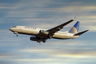 Mixed Media - United Airlines Boeing 737-824 by Smart Aviation
