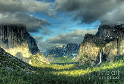 Yosemite Valley Art Print by Marc Bittan