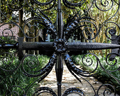 Photograph - Sword Gate House by Ed Waldrop