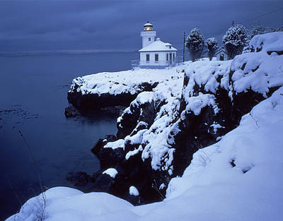 Photograph - 3a4304 Lime Kiln Lighthouse In Snow by Ed Cooper Photography