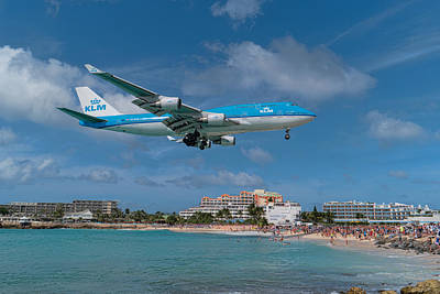 Photograph - K L M Landing At St. Maarten by David Gleeson