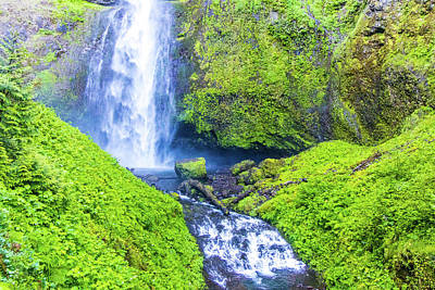 Photograph - Multnomah Falls by Jonny D