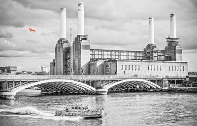 Pig Photograph - Pink Floyd Pig At Battersea by Dawn OConnor