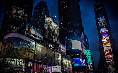 Urban Street Photograph - Times Square Nyc by Martin Newman