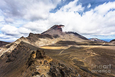 Tongariro Alpine Crossing In New Zealand Art Print
