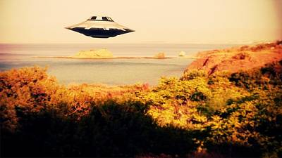 Unidentified Photograph - Ufo Sighting by Raphael Terra