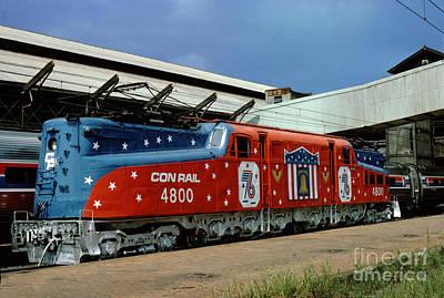 Photograph - 4800 Conrail Gg-1 Electric Locomotive In Bicentennial Livery by Wernher Krutein