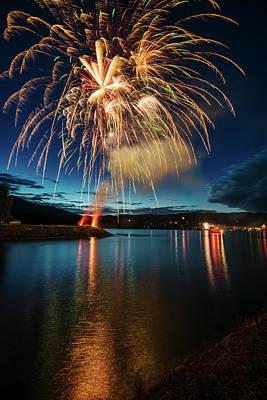 Photograph - 4th Of July Fireworks At Cascade Locks Oregon by Vishwanath Bhat