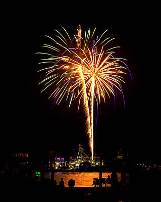 Art Print featuring the photograph 4th Of July Fireworks by Bill Barber