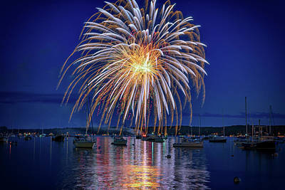 Photograph - 4th Of July Fireworks by Rick Berk