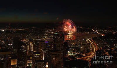 Photograph - 4th Of July In Seattle by Mike Reid