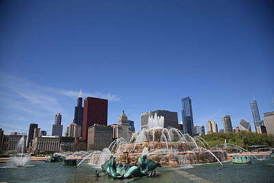 Photograph - Chicago Skyline And Buckingham Fountain by Frank Romeo