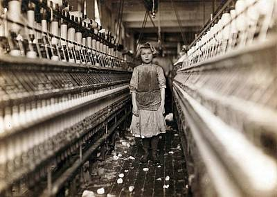 Rire Photograph - Child Laborer Portrayed By Lewis Hine by Everett