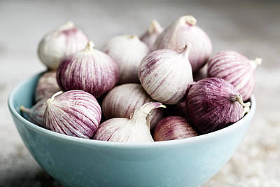 Wooden Bowls Photograph - Garlic by Nailia Schwarz