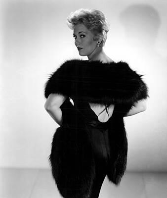 Novak Photograph - Kim Novak, 1956 by Everett